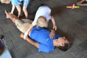 Kinder leisten erste Hilfe Pflasterpass